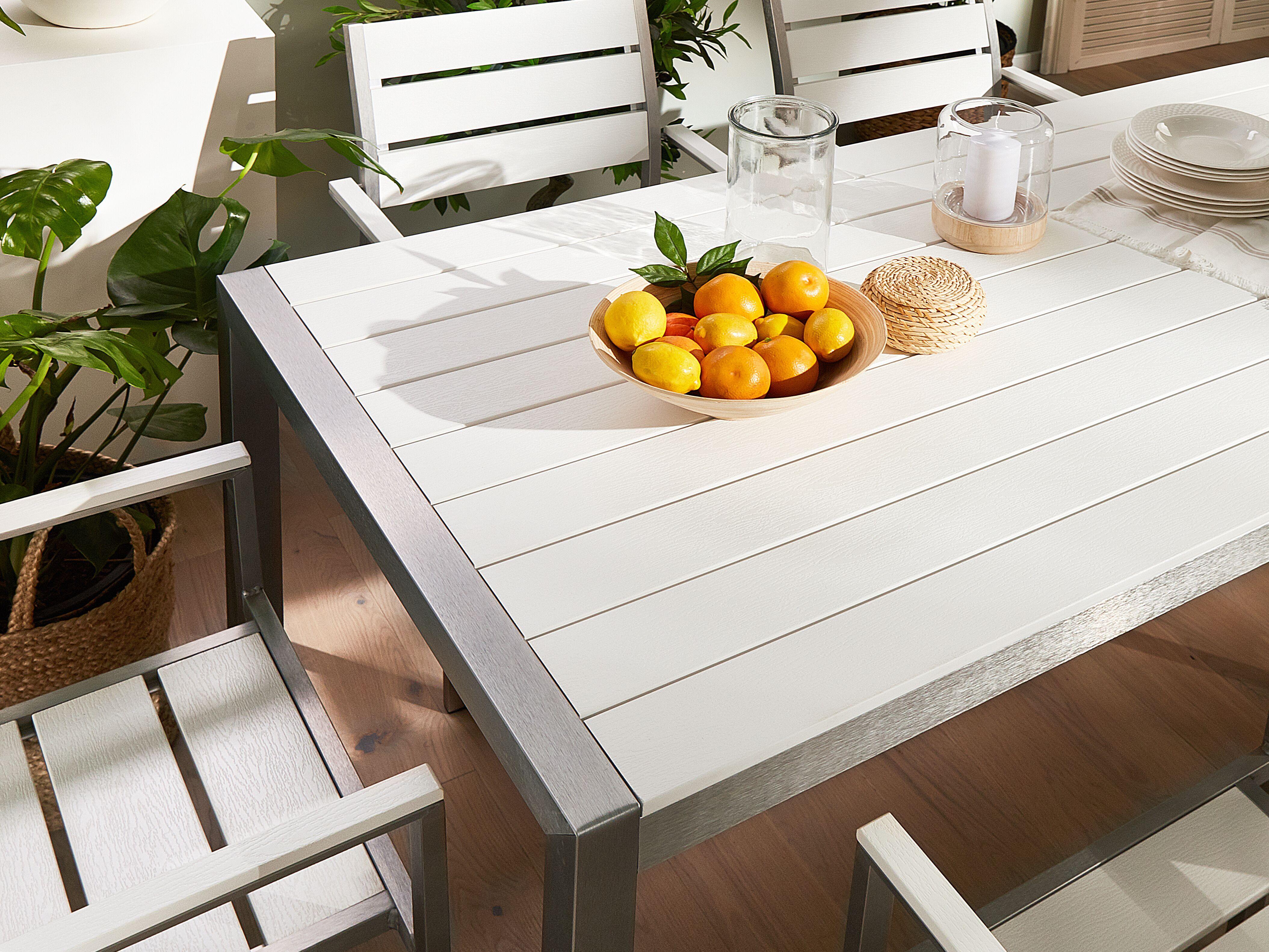 Set Di Tavolo E Sedie Da Giardino In Alluminio E Legno Sintetico Bianco Vernio Beliani It